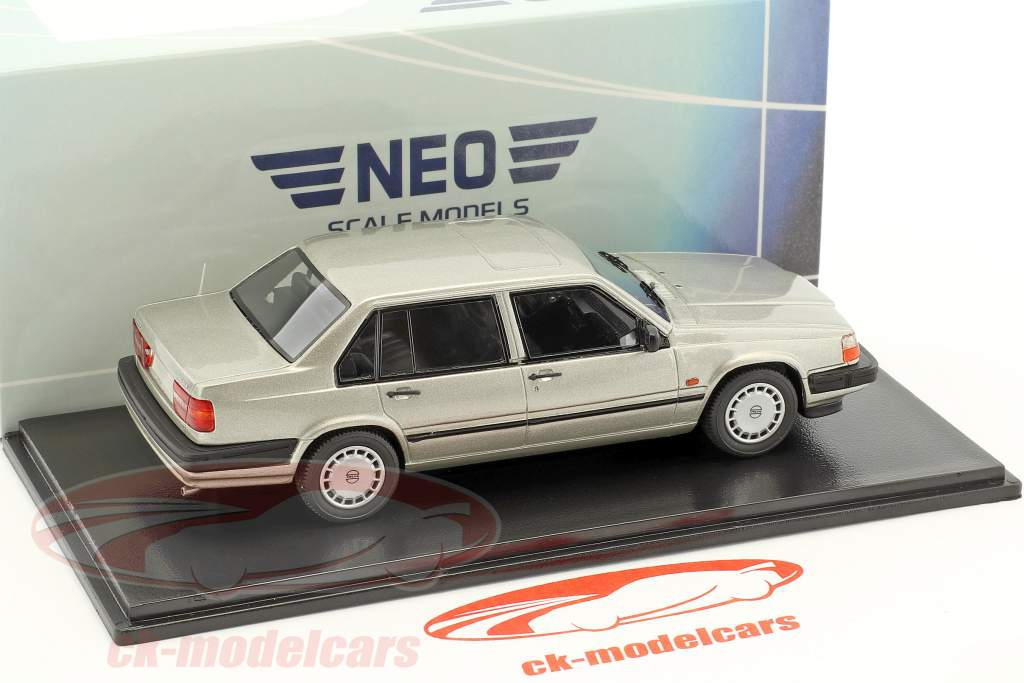 Volvo 940 GL Sedan year 1990 silver metallic 1:43 Neo