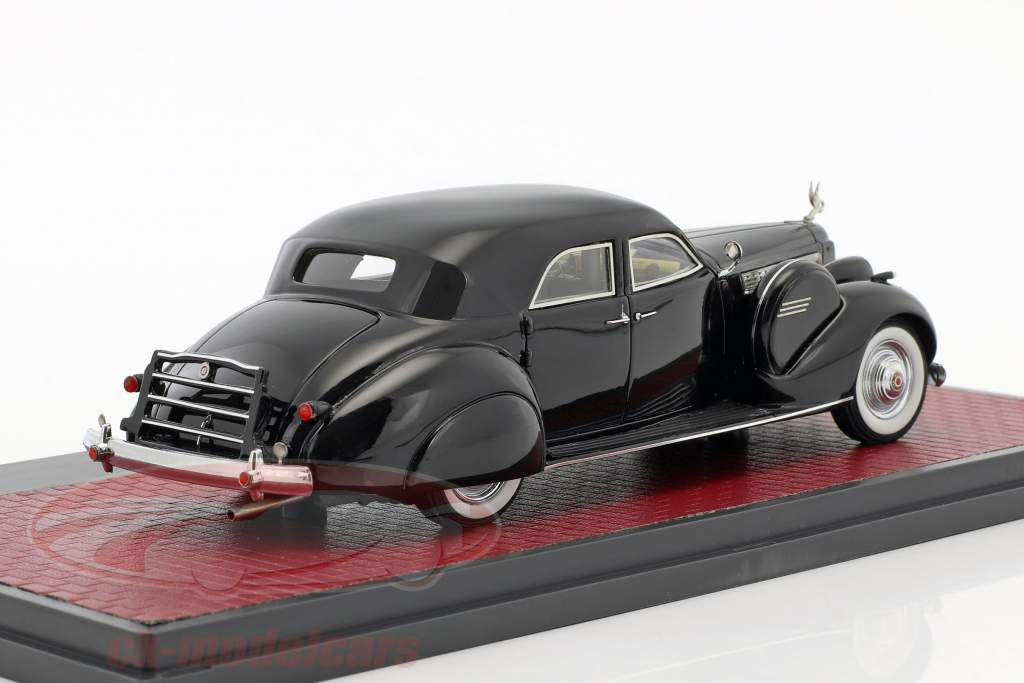 Packard Super 8 Sport Sedan by Darrin année de construction 1940 noir 1:43 Matrix