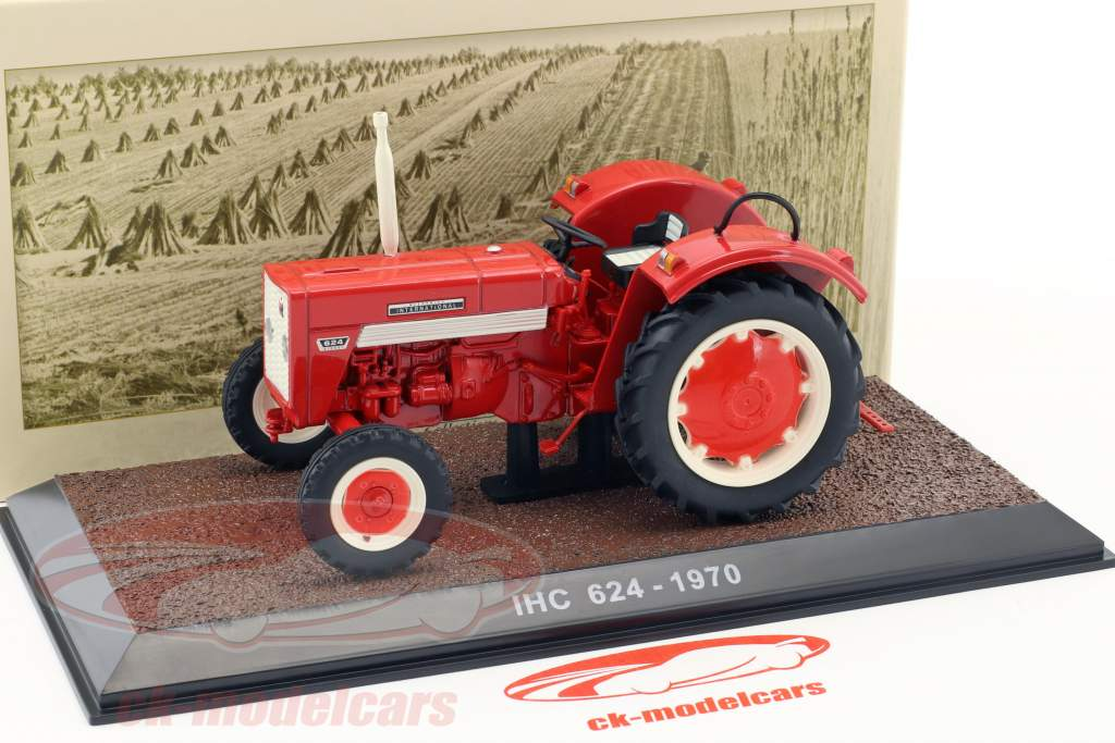 IHC 624 tractor year 1970 red 1:32 Atlas