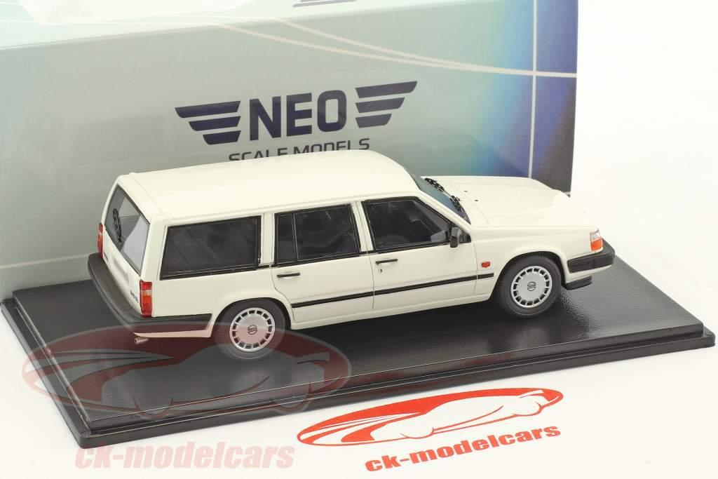 Volvo 940 GL Estate year 1990 white 1:43 Neo