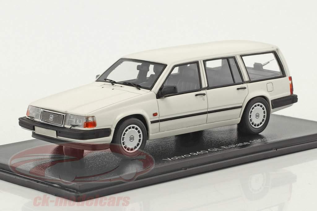 Volvo 940 GL Estate Baujahr 1990 weiß 1:43 Neo