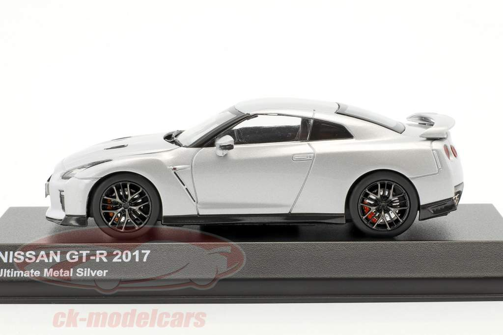 Nissan GT-R (R35) year 2017 silver metallic 1:43 Kyosho