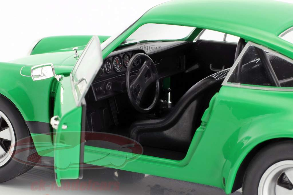 Porsche 911 Carrera RSR 2.8 year 1973 green 1:18 Solido
