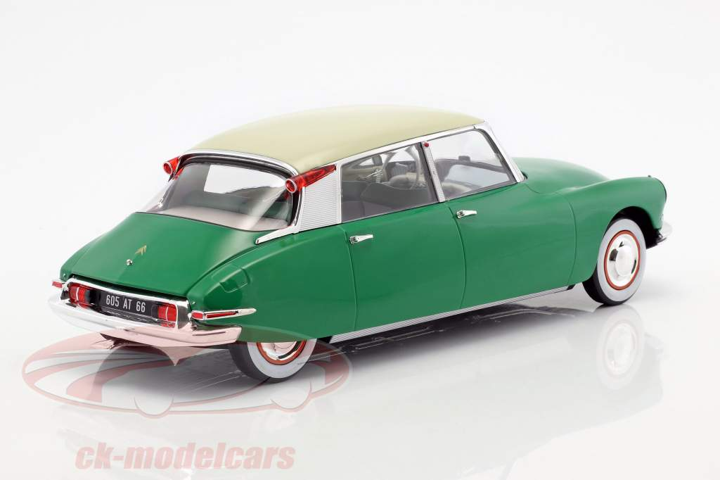 Citroen DS 19 year 1956 green 1:18 Norev