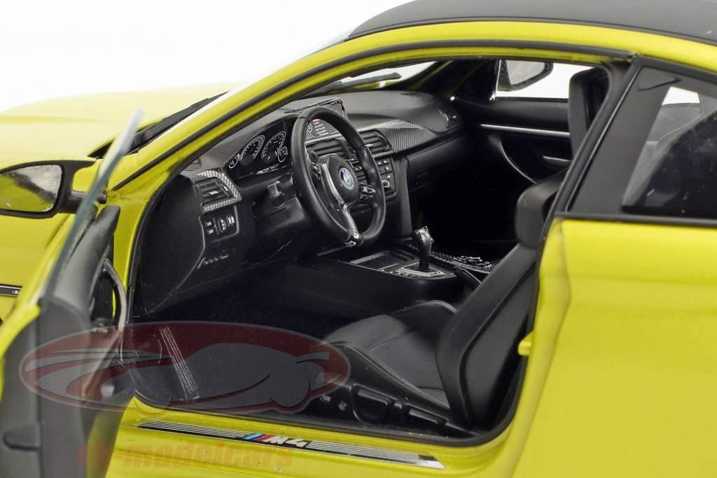 BMW M4 Coupe (F82) austin yellow 1:18 ParagonModels