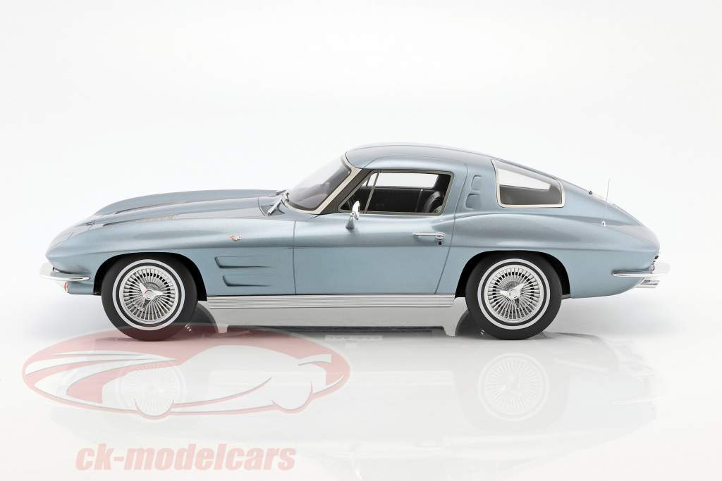 Chevrolet Corvette year 1963 silver blue metallic 1:12 GT-Spirit