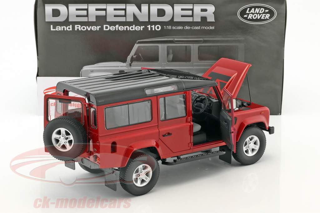 Land Rover Defender 110 RHD anno di costruzione 1983 rosso 1:18 Dorlop