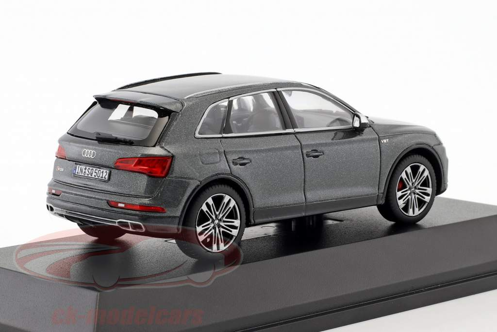 Audi SQ5 TFSI daytona gray 1:43 Paragon Models