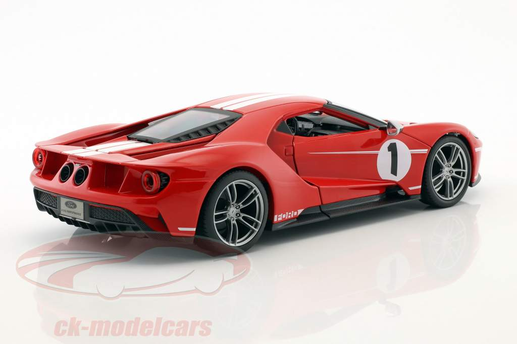 Ford GT #1 year 2017 red / white 1:18 Maisto