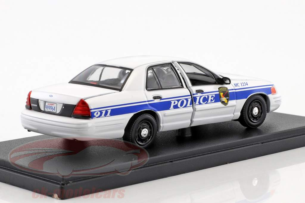 Ford Crown Victoria Police Interceptor year 2003 TV series MacGyver (since 2016) 1:43 Greenlight