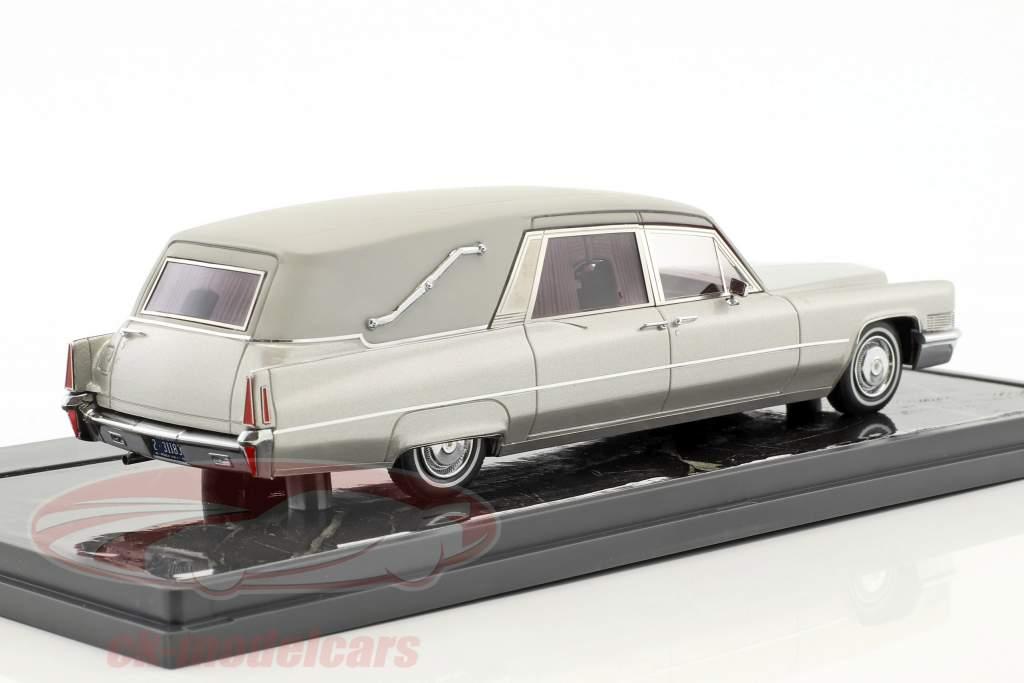 Cadillac Superior Crown Sovereign Landaulet Funeral Car year 1970 silver metallic 1:43 Matrix