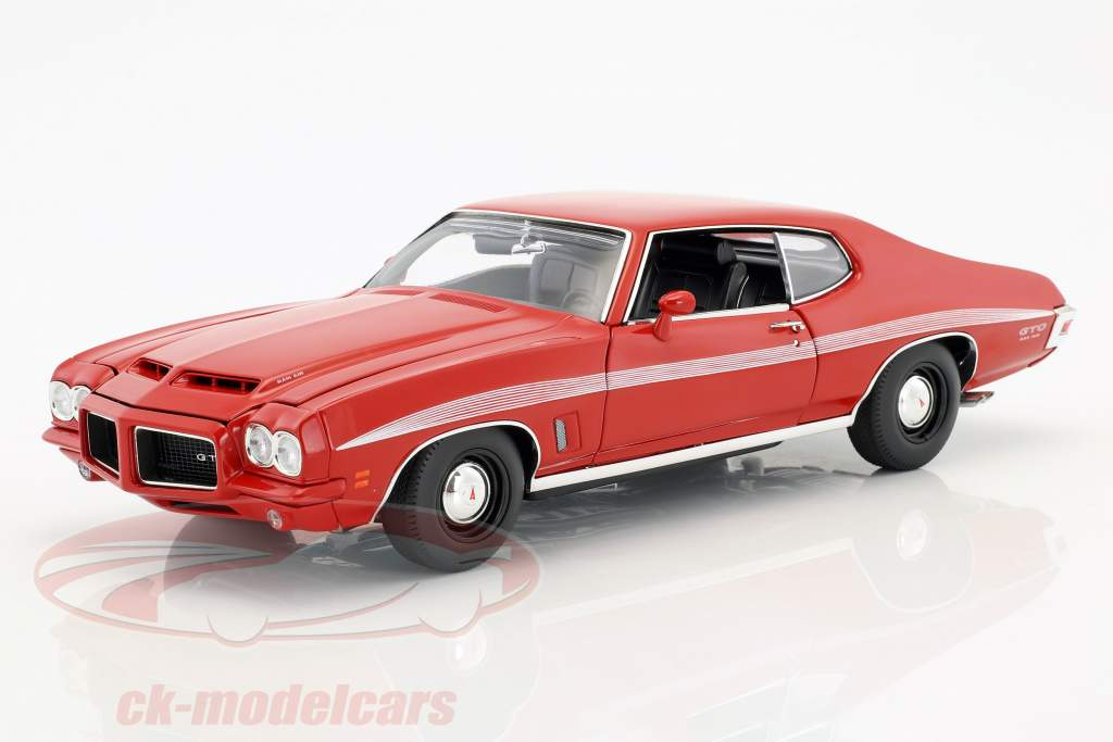 Pontiac LeMans GTO year 1972 red 1:18 GMP