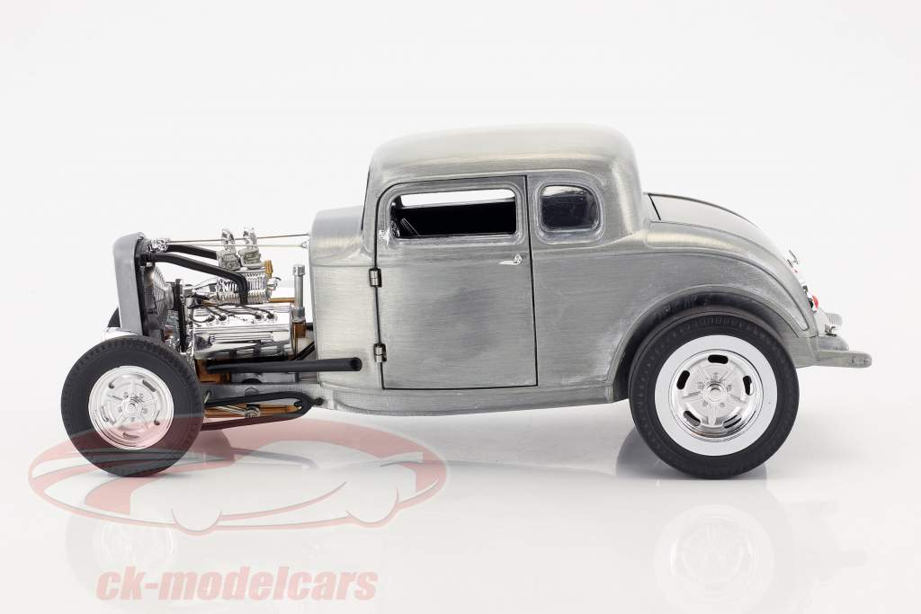 Ford 5 Window Year 1932 Hammered Steel 1:18 GMP