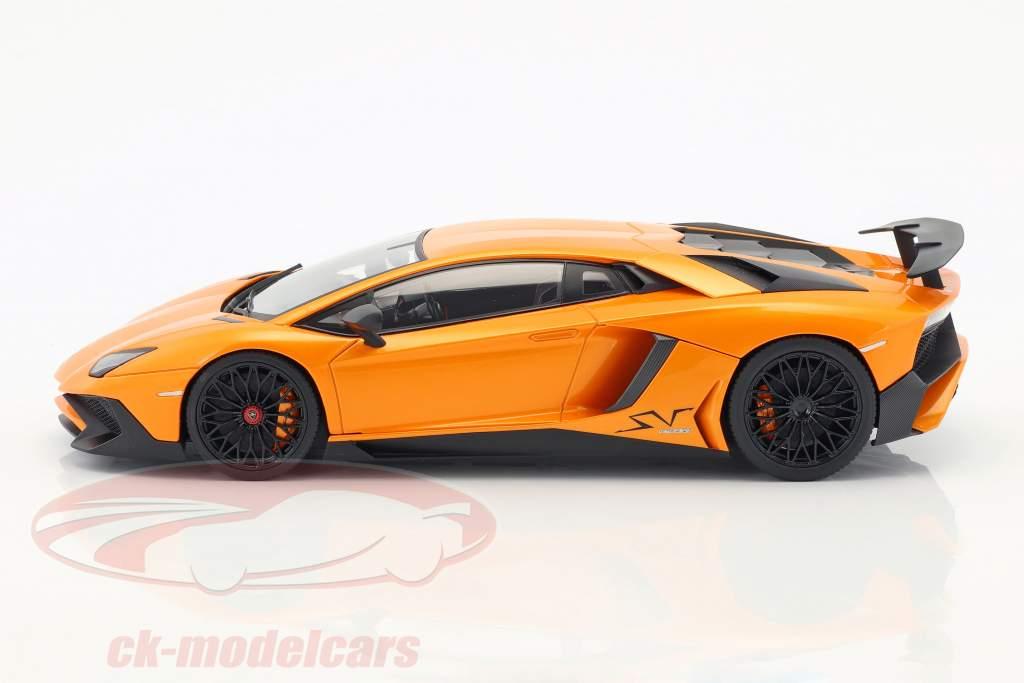 Lamborghini Aventador LP 750-4 SV Baujahr 2015 orange metallic 1:18 Kyosho