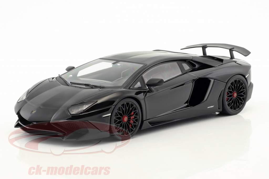 Lamborghini Aventador LP 750-4 SV année de construction 2015 noir 1:18 Kyosho