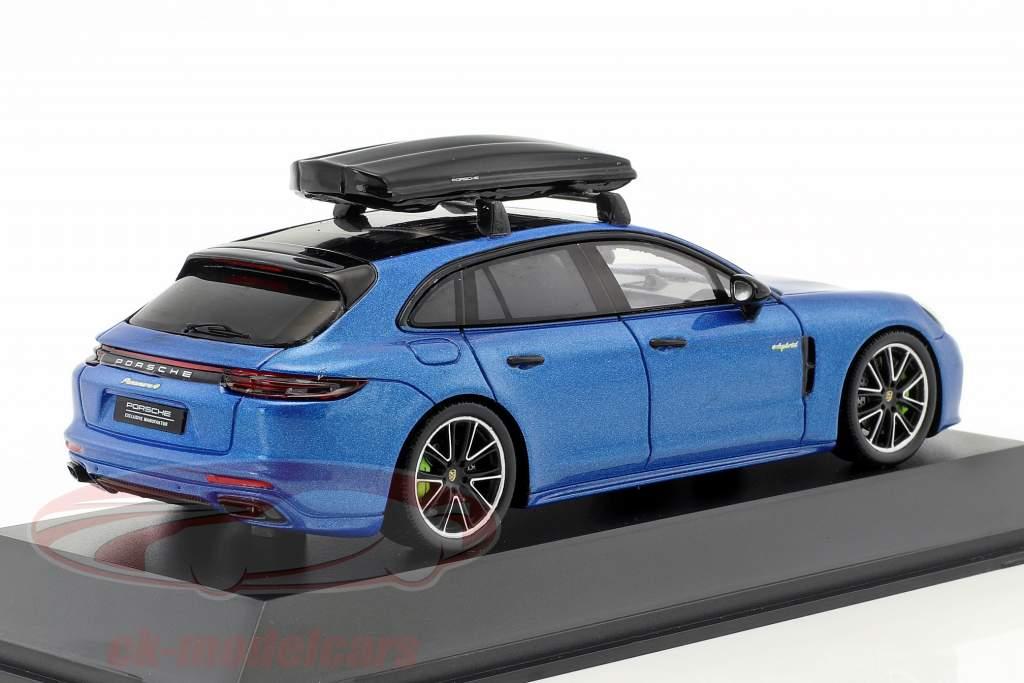 Porsche Panamera 4 E-Hybrid ST con baule blu metallico 1:43 Spark
