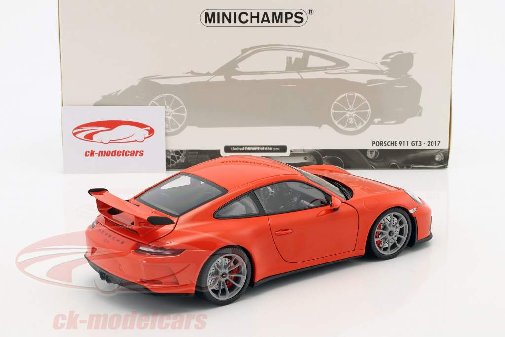 Porsche 911 (991) GT3 Baujahr 2017 lava orange 1:18 Minichamps