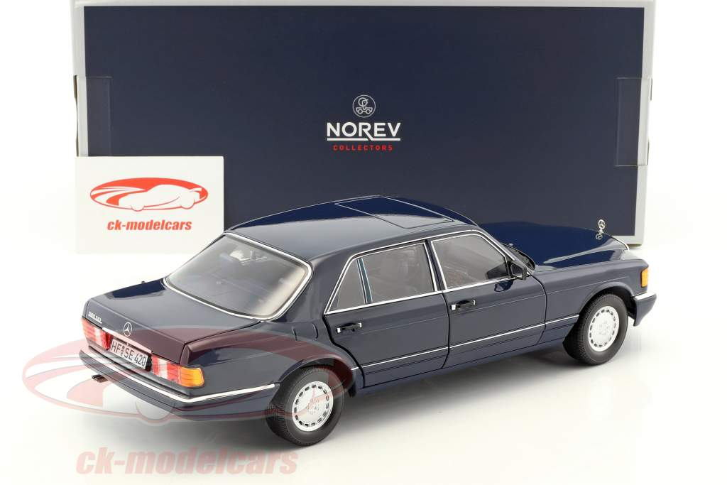 Mercedes-Benz 560 SEL W126 Baujahr 1991 dunkelblau 1:18 Norev