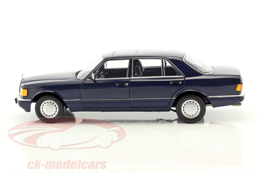 Mercedes-Benz 560 SEL W126 year 1991 dark blue 1:18 Norev