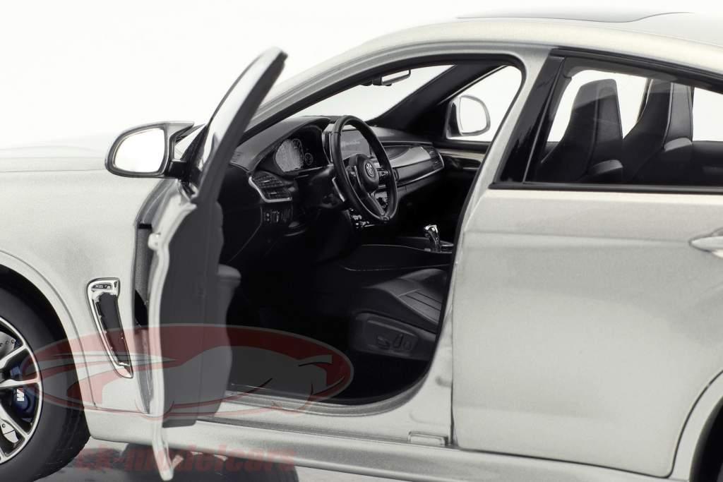 BMW X6 M Baujahr 2015 silber metallic 1:18 Norev