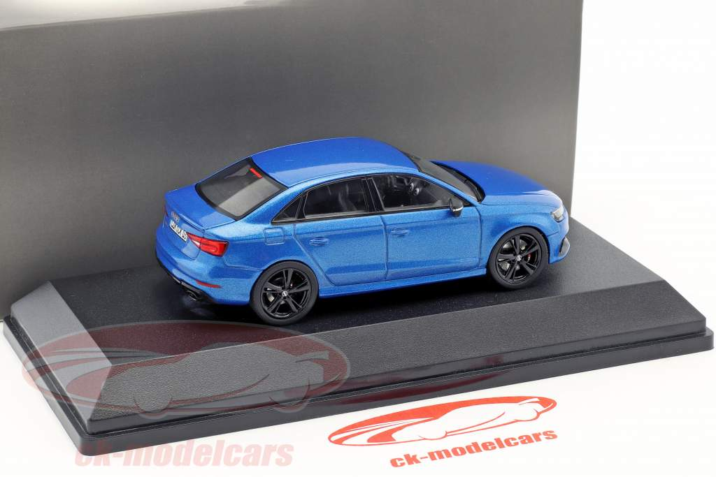 Audi RS 3 Limousine blue metallic 1:43 iScale