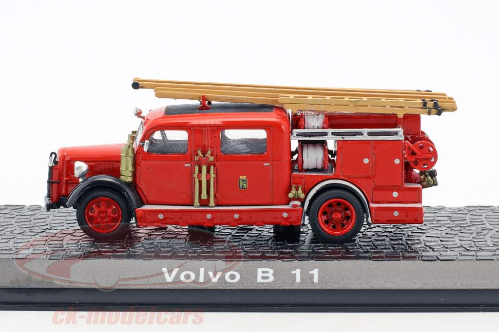 Volvo B 11 fire Department year 1965 red 1:72 Atlas