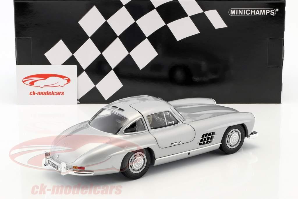 Mercedes-Benz 300 SL (W198) Gullwing anno di costruzione 1955 argento metallico 1:18 Minichamps