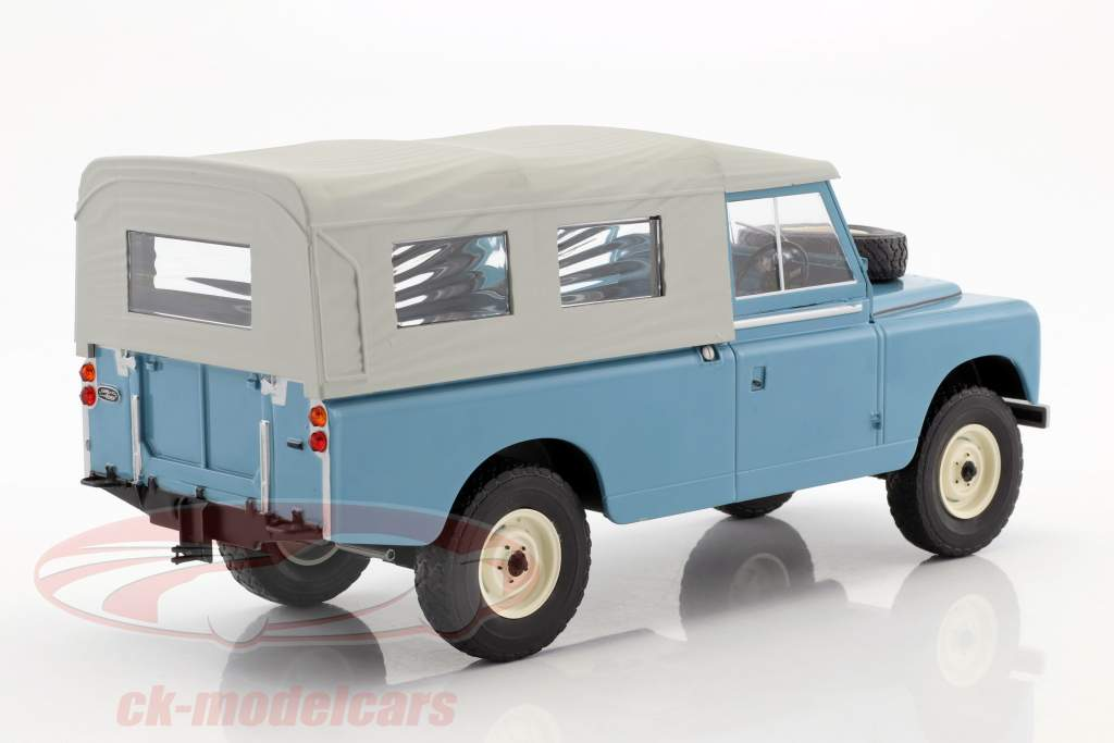 Land Rover 109 Series II Closed Pick up year 1959 light blue 1:18 Model Car Group