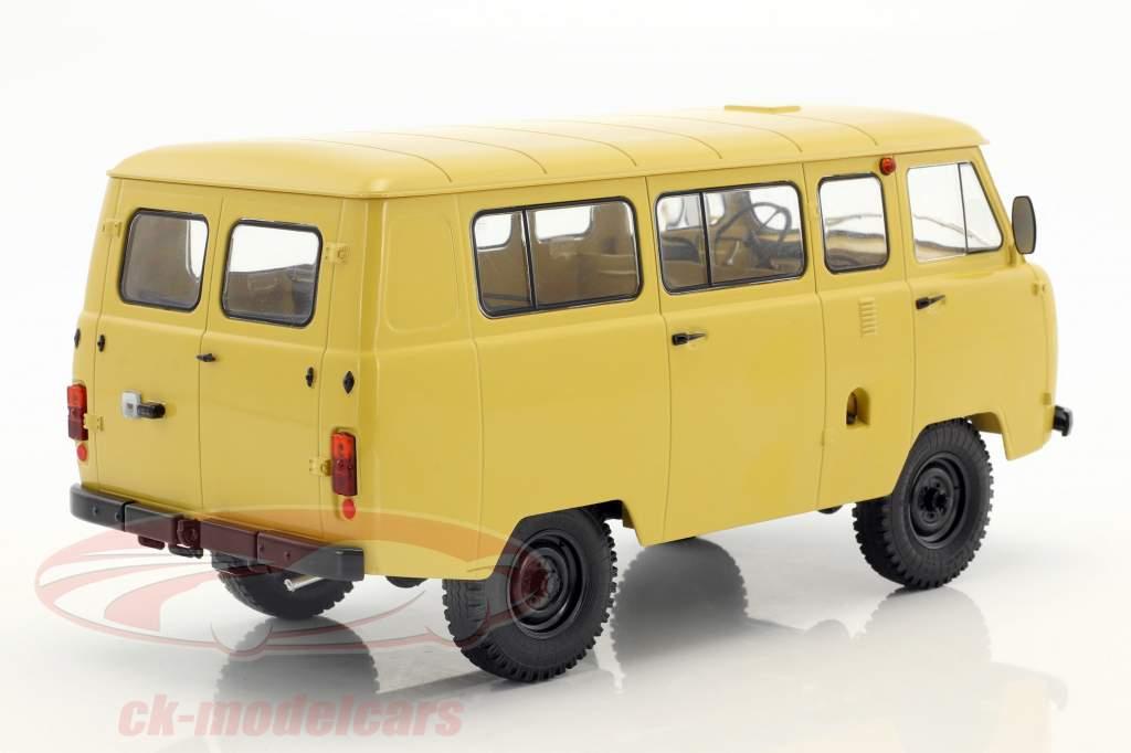 UAZ 452V (2206) minibus dark beige 1:18 Premium ClassiXXs
