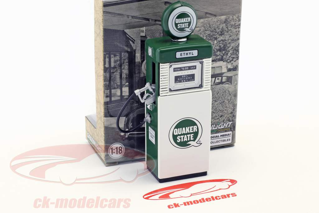 Wayne 505 Quaker State gas pump 1951 with pump light green / White 1:18 Greenlight
