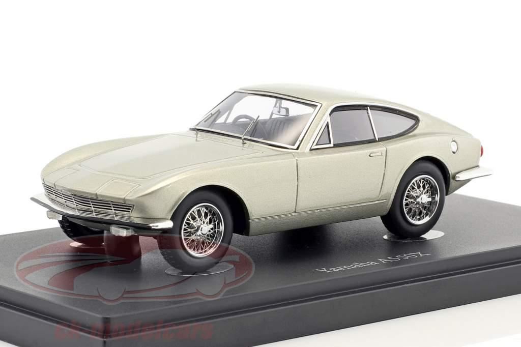 Yamaha A550X anno di costruzione 1964 grigio argento metallico 1:43 AutoCult
