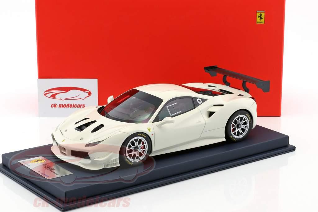 Ferrari 488 Challenge avus white with showcase 1:18 LookSmart