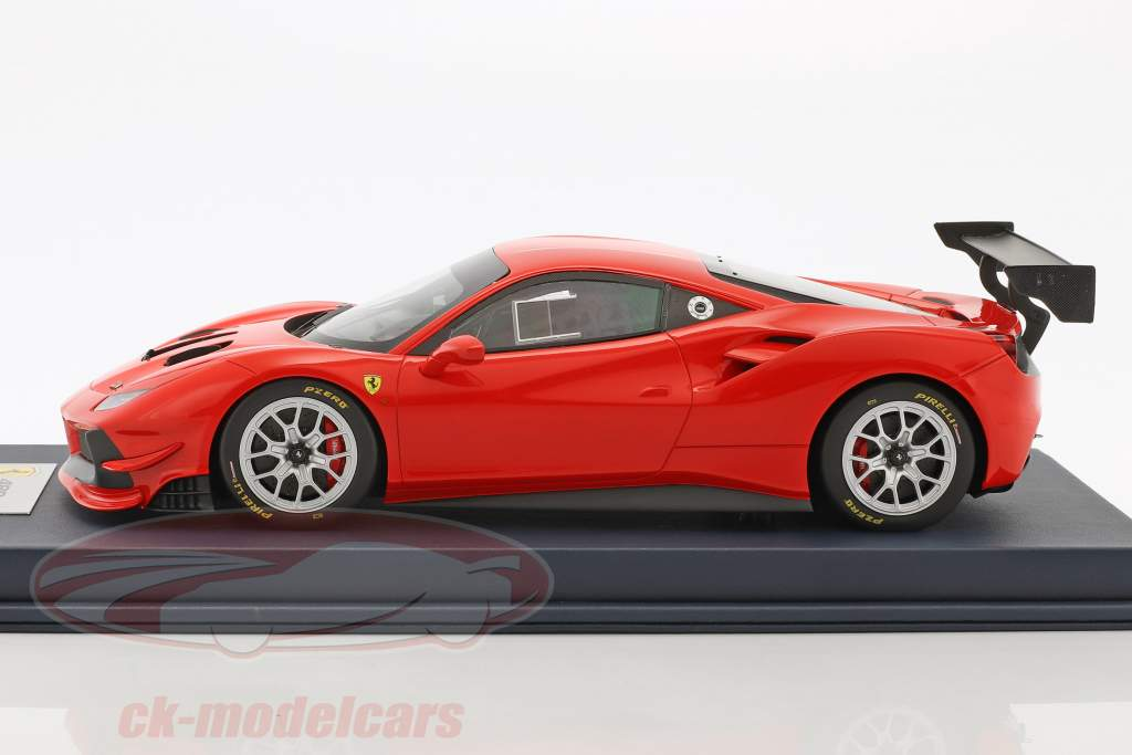 Ferrari 488 Challenge scuderia red with showcase 1:18 LookSmart