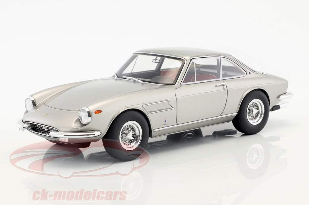 Cmr Präsentiert Den Ferrari 330 Gtc Von 1966