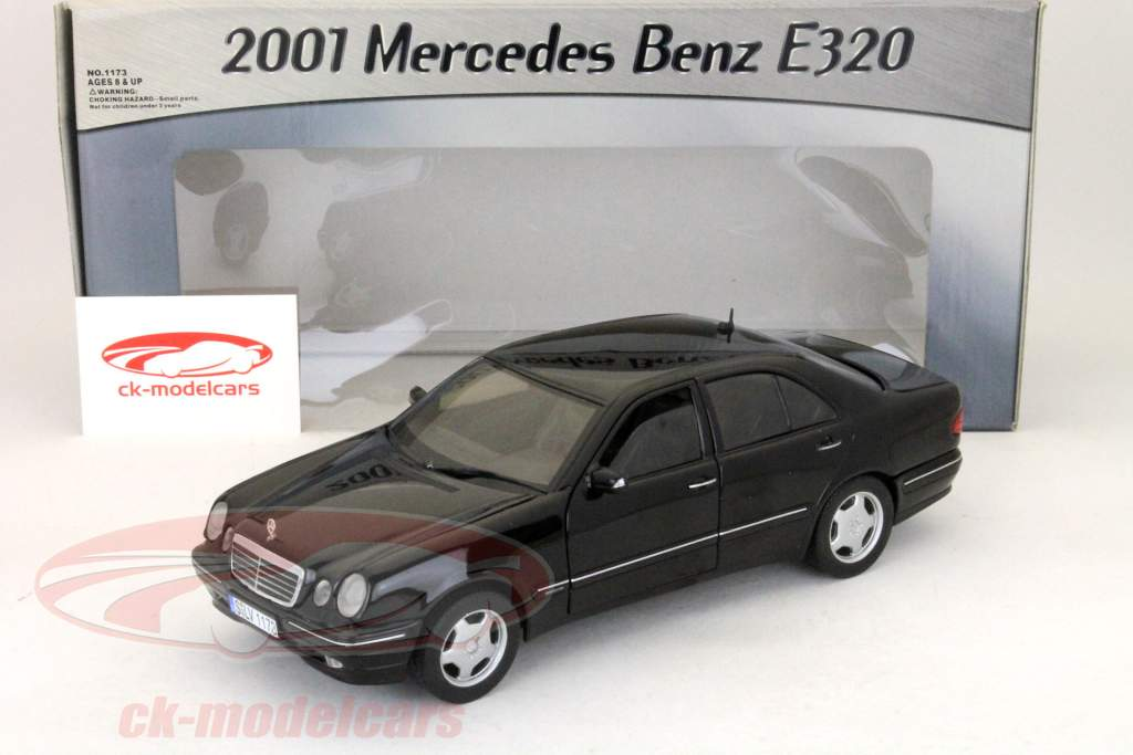 Mercedes Benz E320 2001 Black 1:18 SunStar