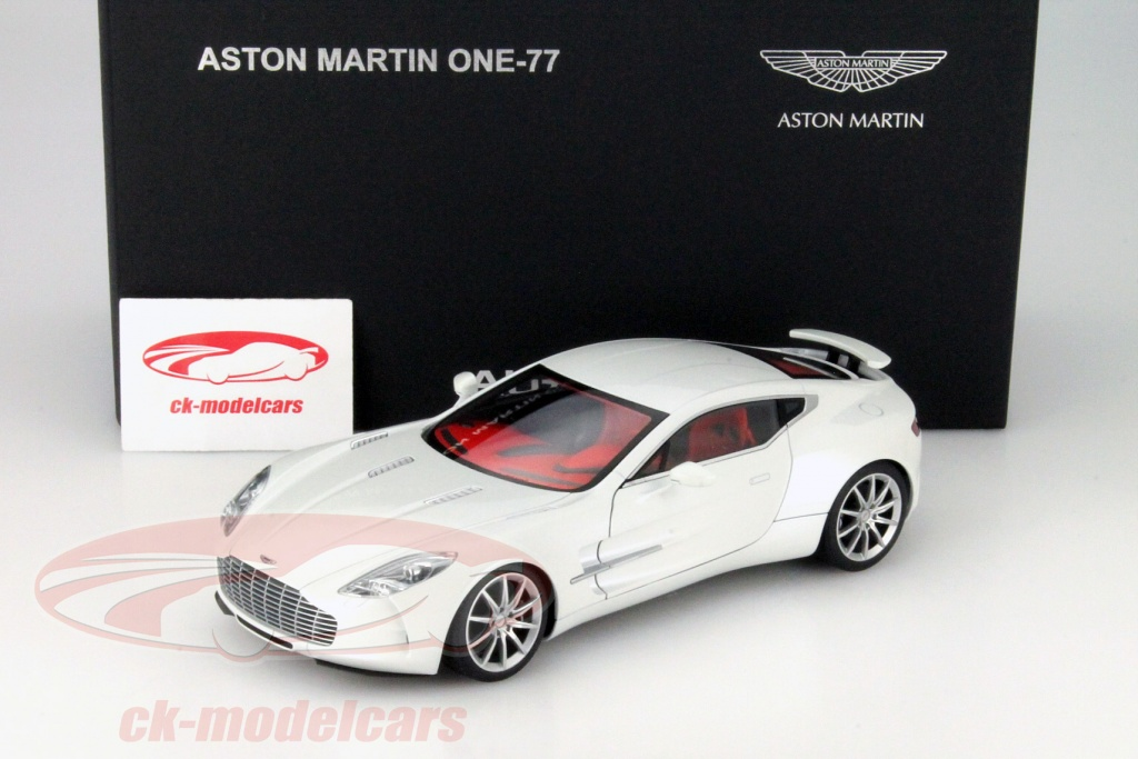 Aston Martin One 77 Year 2009 Morning Frost White 1:18 AUTOart