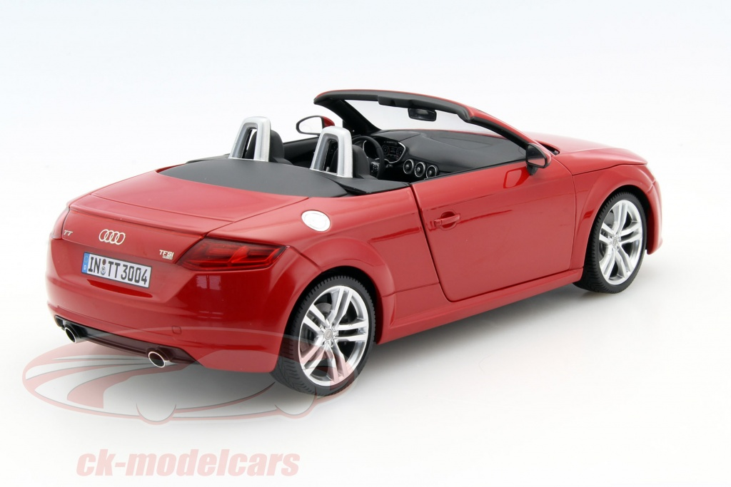 ck modelcars 5011400525 audi tt roadster tango rouge 1 18 minichamps ean 2160000023794. Black Bedroom Furniture Sets. Home Design Ideas