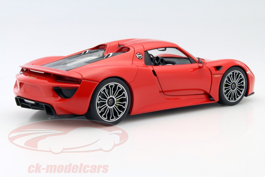 ck modelcars map02184016 porsche 918 spyder indian red 1 18 welly. Black Bedroom Furniture Sets. Home Design Ideas