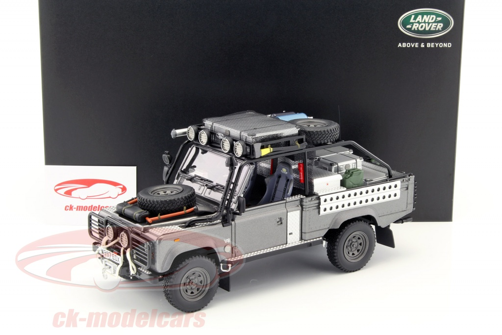 1:18 Kyosho Land Rover Defender Tomb Raider Lara Croft 2001