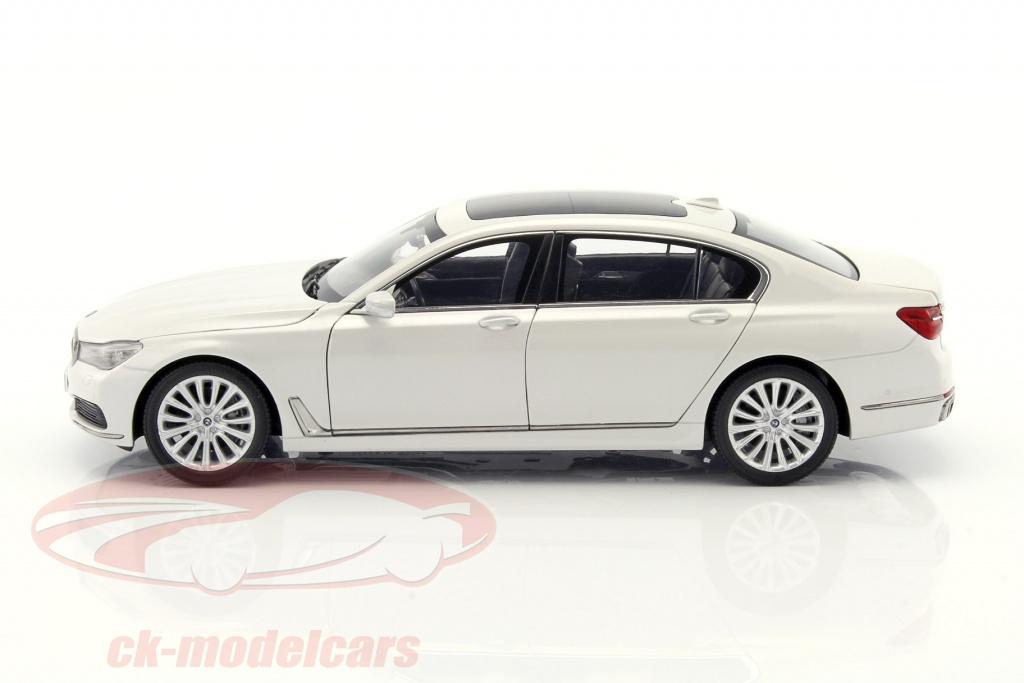 BMW 750 Li G12 Year 2015 Mineral White 118 IScale
