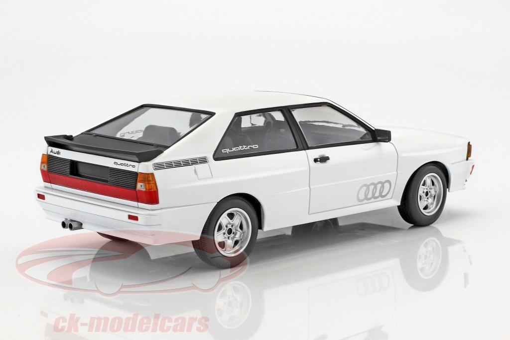 ck modelcars 155016120 audi quattro year 1980 white 1 18 minichamps ean 4012138142145. Black Bedroom Furniture Sets. Home Design Ideas