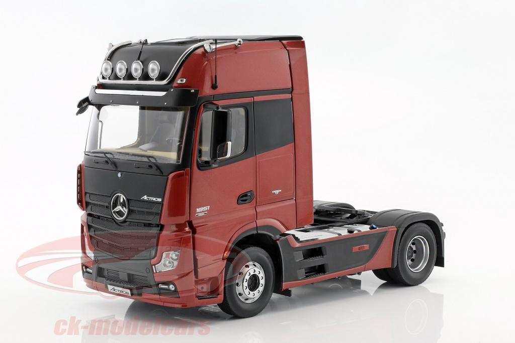 ck modelcars b66006439 mercedes benz actros 2 gigaspace 4x2 fh25 camion szm sombre rouge 1 18 nzg. Black Bedroom Furniture Sets. Home Design Ideas