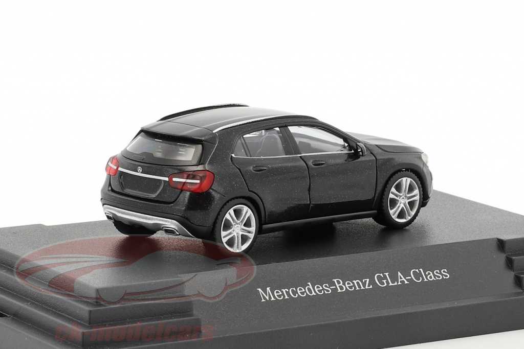 ck modelcars b66960261 mercedes benz gla klasse cosmos noir m tallique 1 87 herpa. Black Bedroom Furniture Sets. Home Design Ideas
