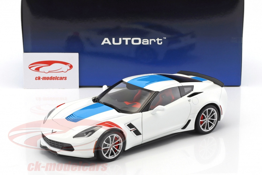 2017 White Corvette >> Chevrolet Corvette C7 Grand Sport Year 2017 White With Blue Stripes 1 18 Autoart