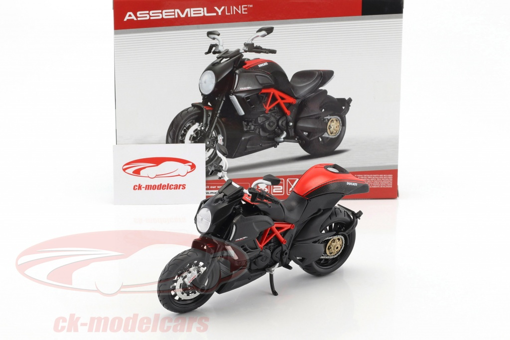CK-Modelcars - 39196: Ducati Diavel Carbon Kit year 2011 black 1:12