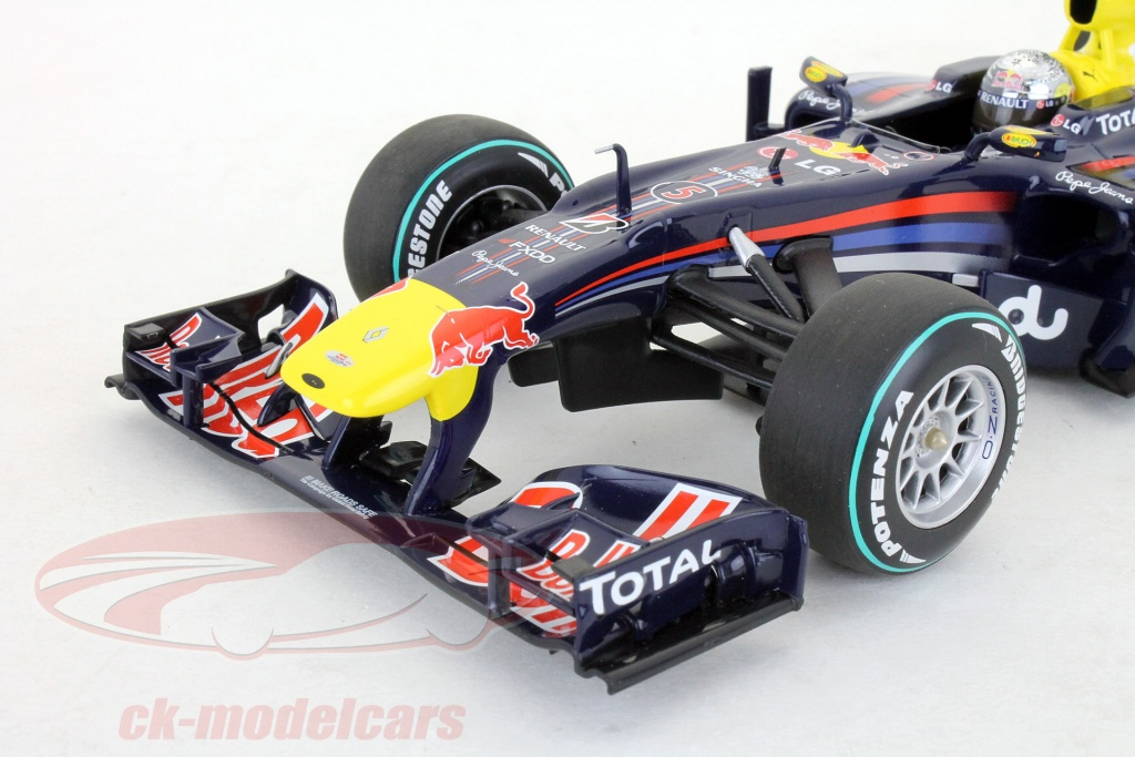 ck modelcars 110100105 s vettel red bull rb6 formel 1 weltmeister abu dhabi gp 2010 1 18. Black Bedroom Furniture Sets. Home Design Ideas