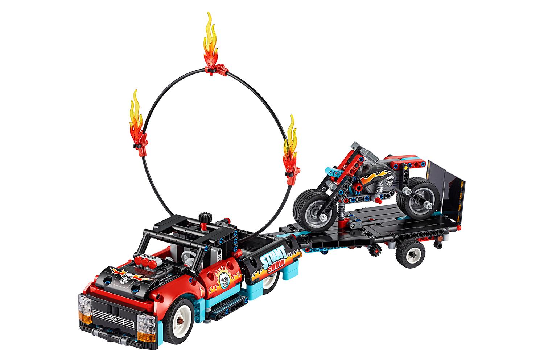 lego-technic-stunt-show-mit-truck-und-motorrad-42106/