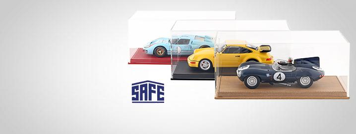 Showcases High-quality display case  with leather base